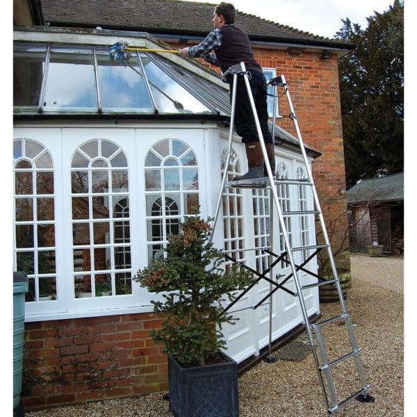 Henchman Hi-Step Platform Garden Ladders