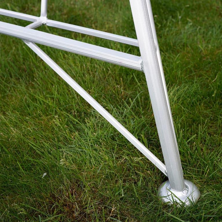 Henchman Platform 1 Leg Adjustable Ladder