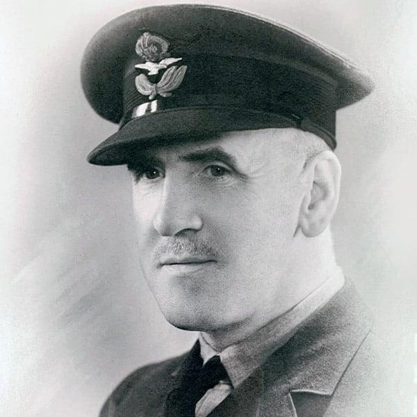 Warrant Officer, Bryn Davies